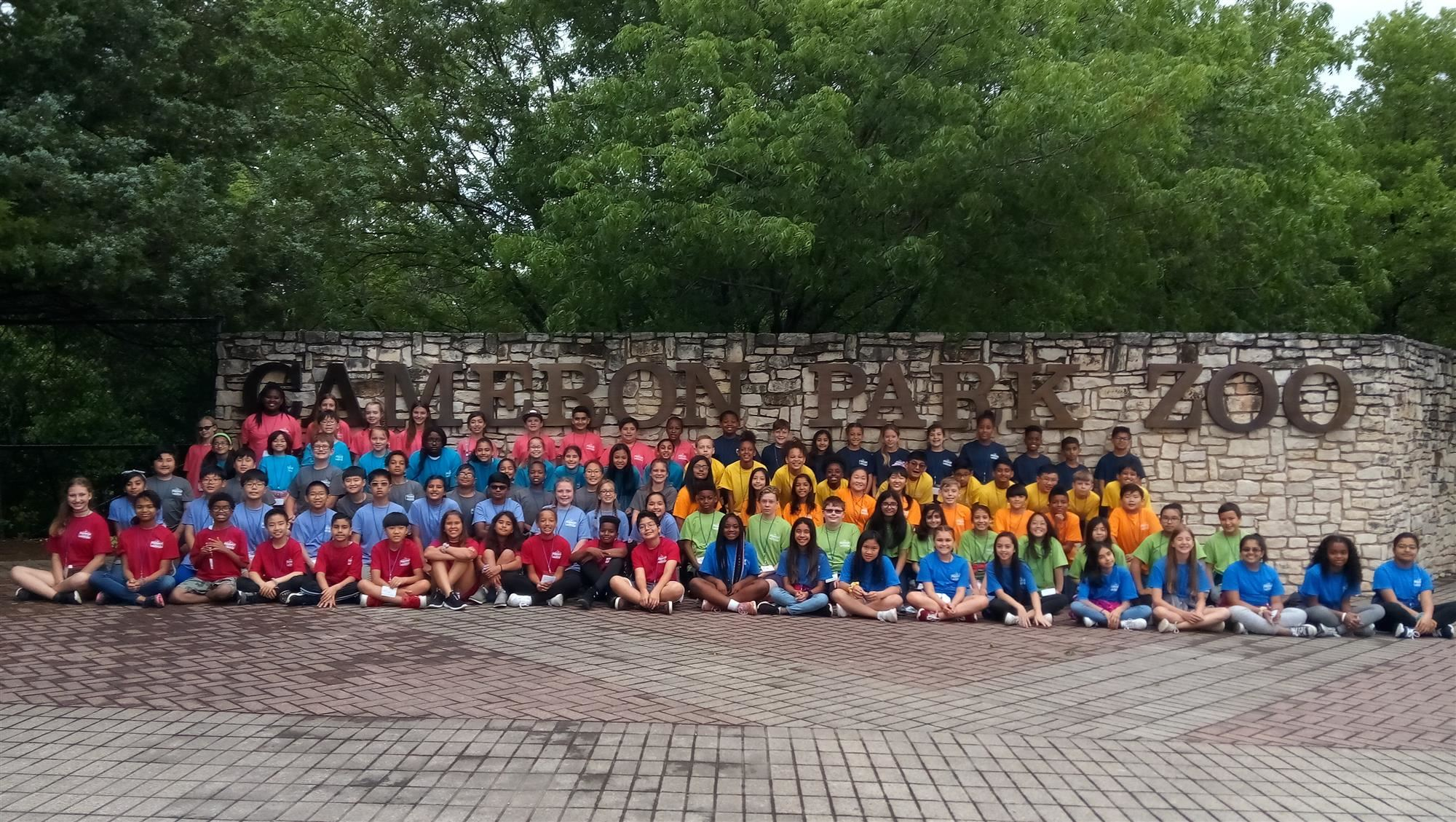 Hebron valley fifth-grade field trip group photo 2019