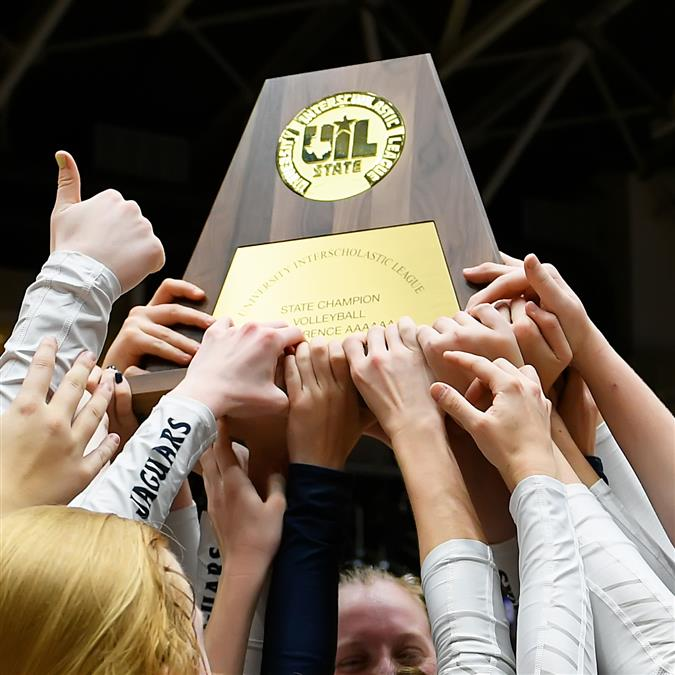FMHS Volleyball Wins State 2018
