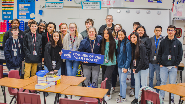 LHS Killough English teacher Emily Wallace poses with LISD Superintendent and class.