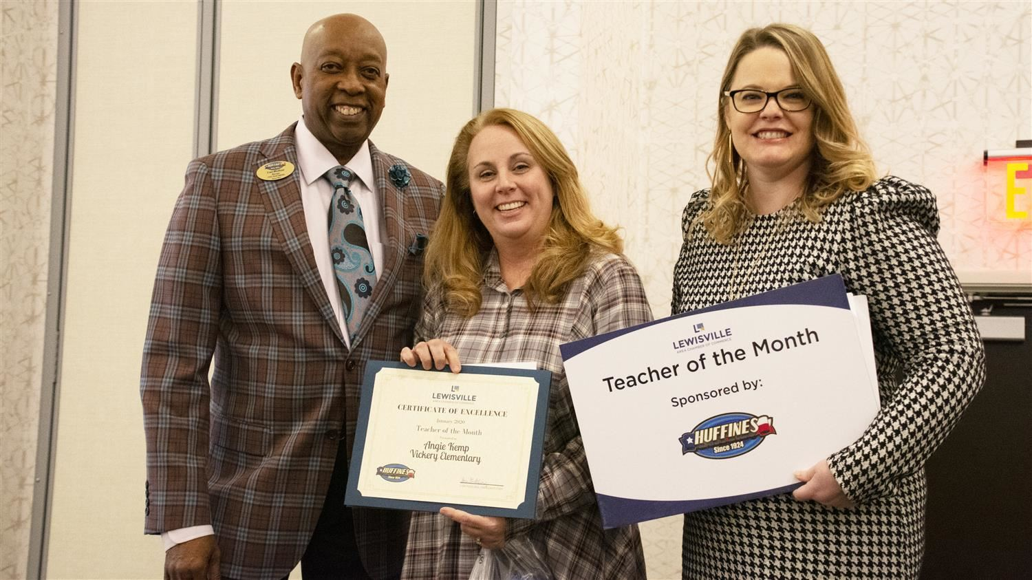 Vickery Elementary's Kemp Named Lewisville Area Chamber of Commerce/Huffines Auto Dealership January Teacher of the Month