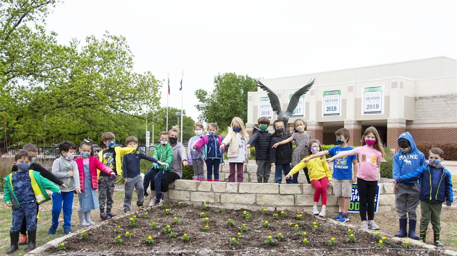 Liberty Elementary School Kindergartners Beautify Campus on Earth Day