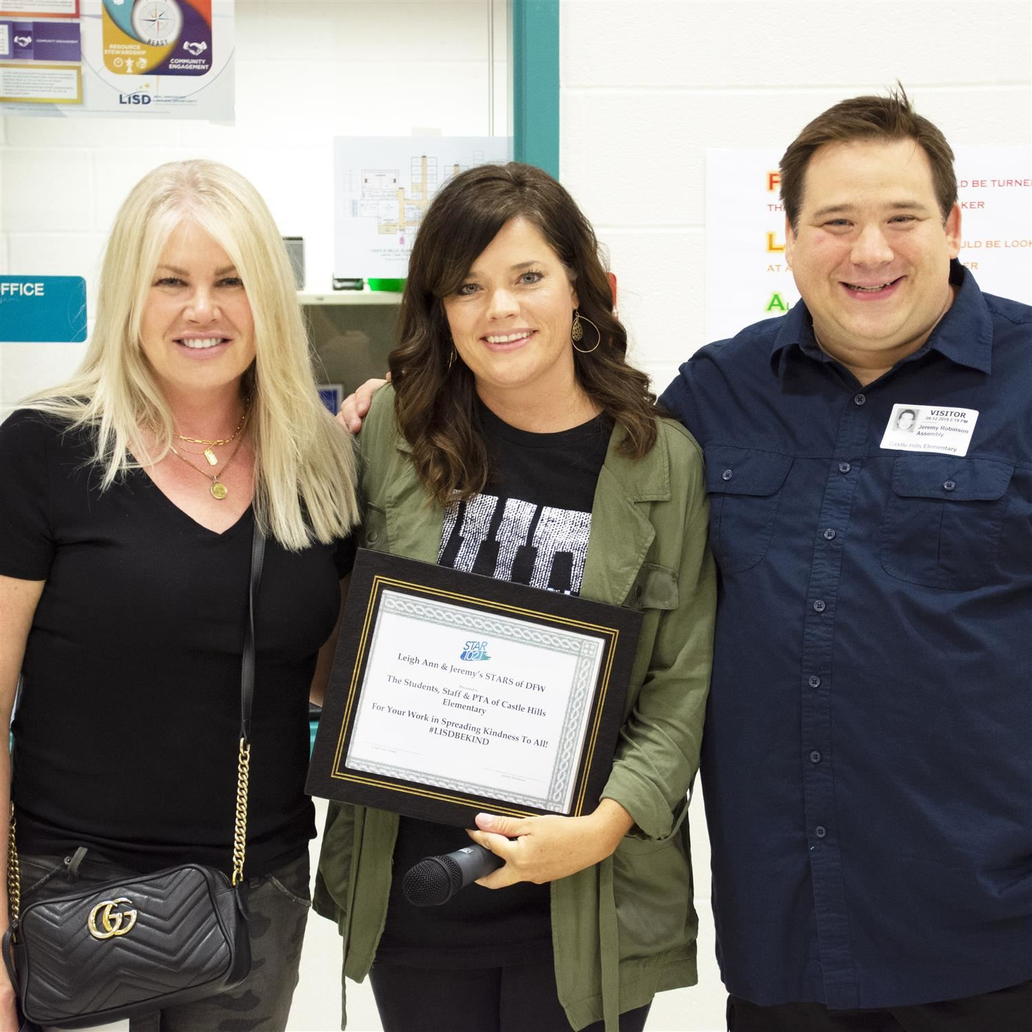 "Star 102.1 FM Presents Castle Hills Elementary with ""Stars of DFW"" Award for Kindness"