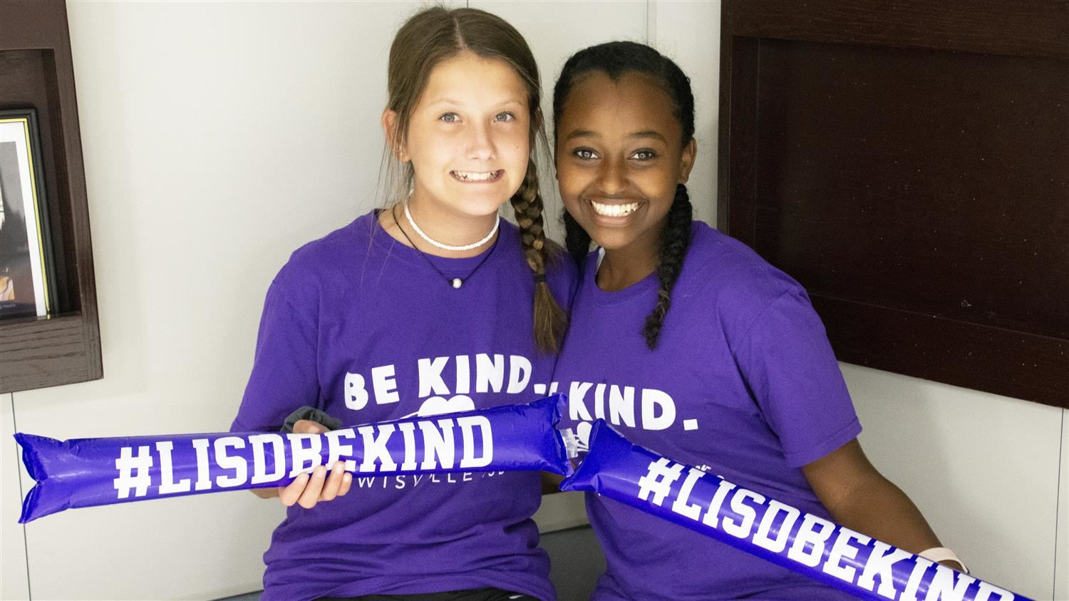 LISD Middle Schools Continue Kindness Wave