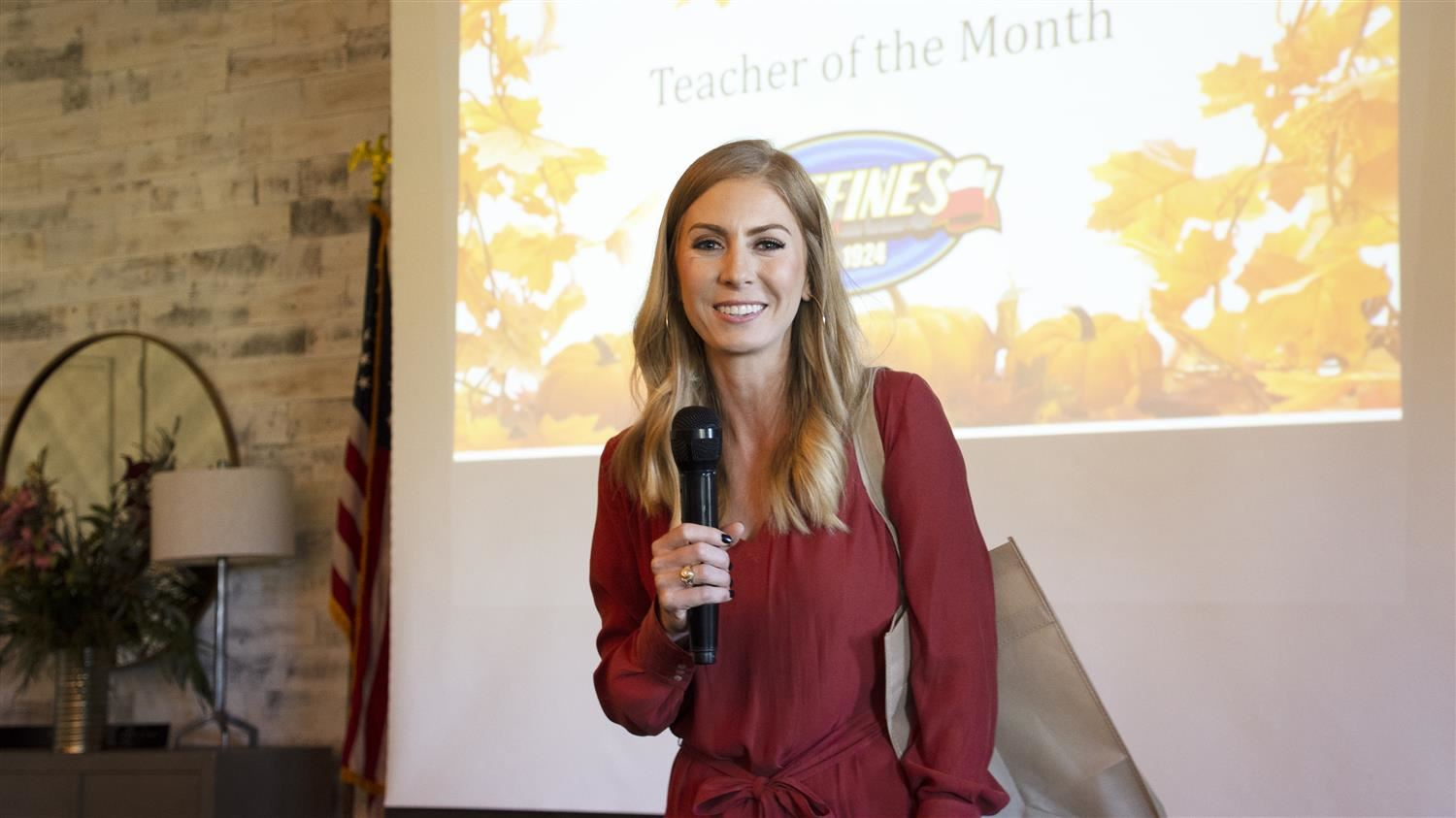 Independence Elementary's Swearengen Named Lewisville Area Chamber of Commerce/Huffines Auto Dealership October Teacher of the Month