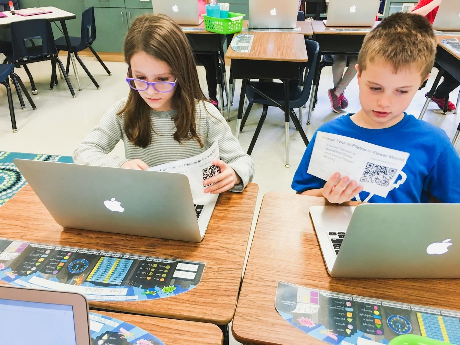 Bridlwood students work on laptop computers