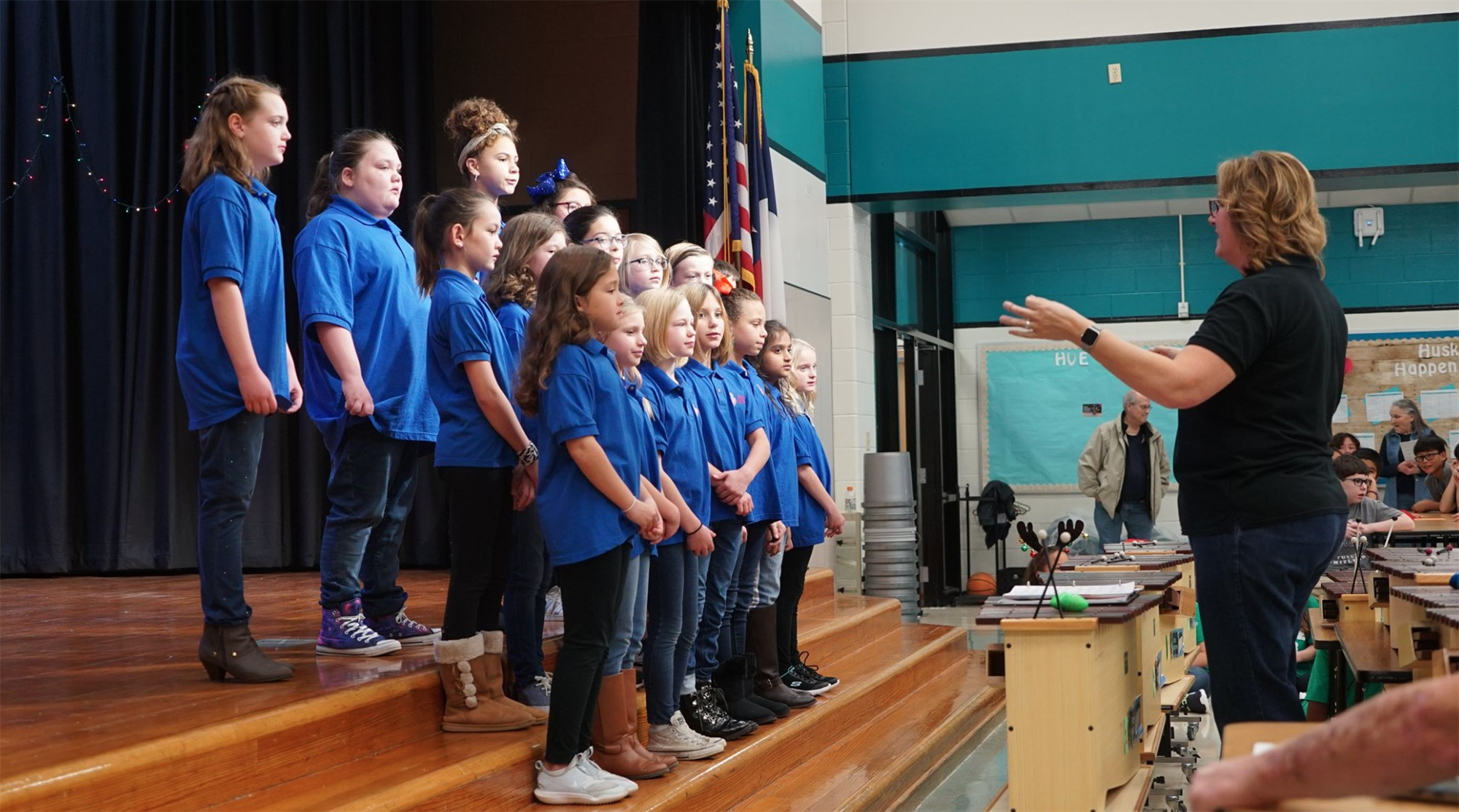 Students sing at benefit concert at Hebron Valley Elementary. 2019