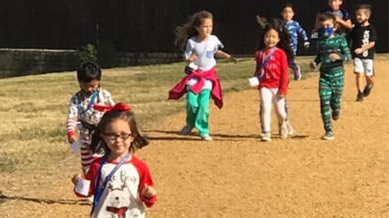 Castle Hills Dragons on a Turkey Trot