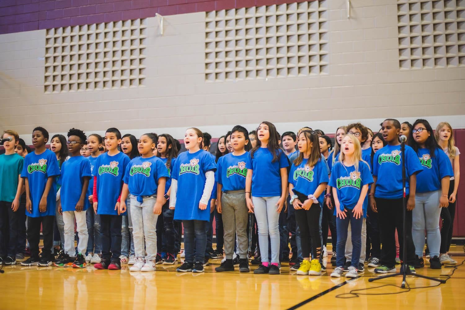 creekside choir sings