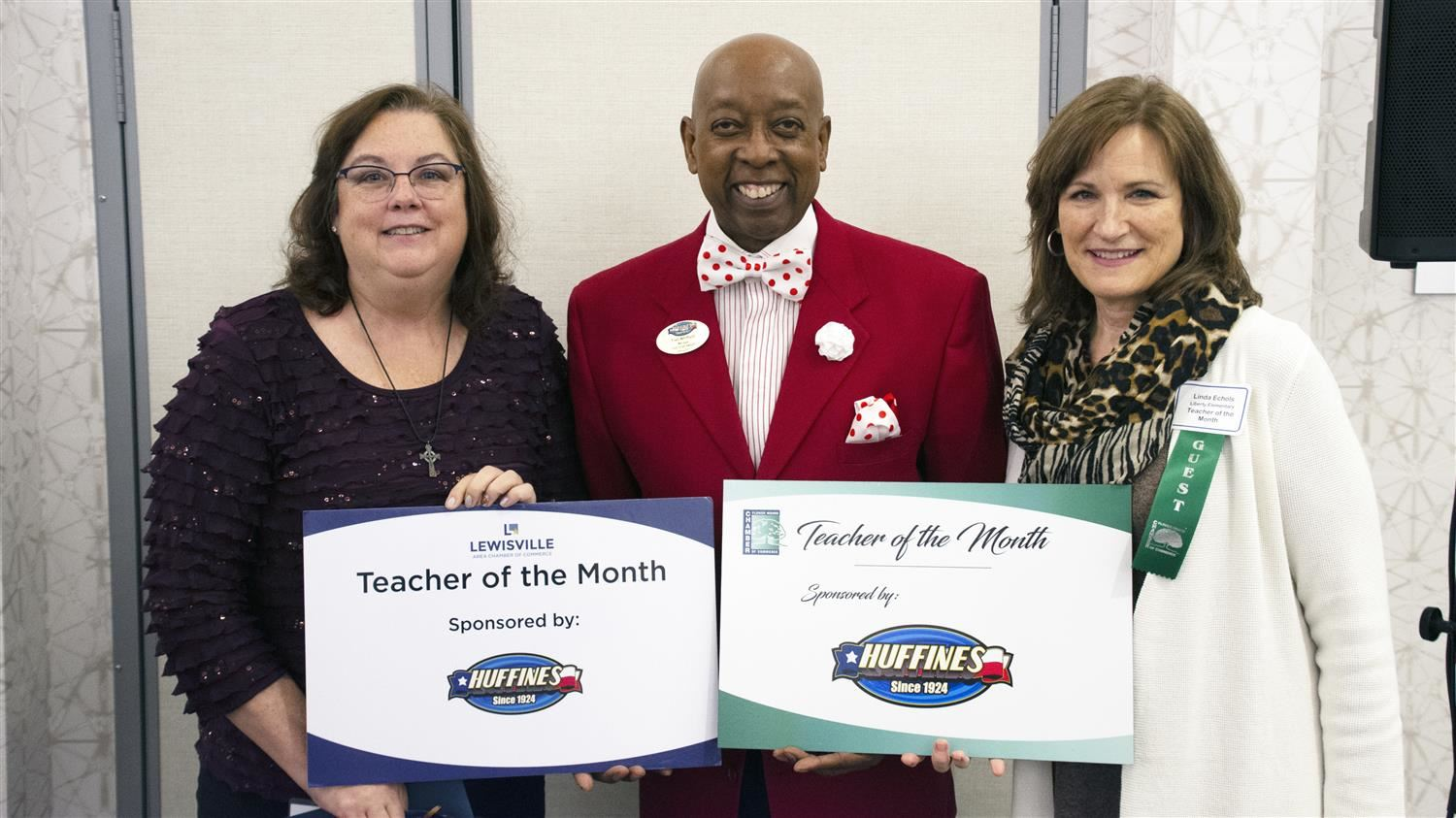 Creekside Elementary's Formichella Named Lewisville Area Chamber of Commerce/Huffines Auto Dealership November Teacher of the Month