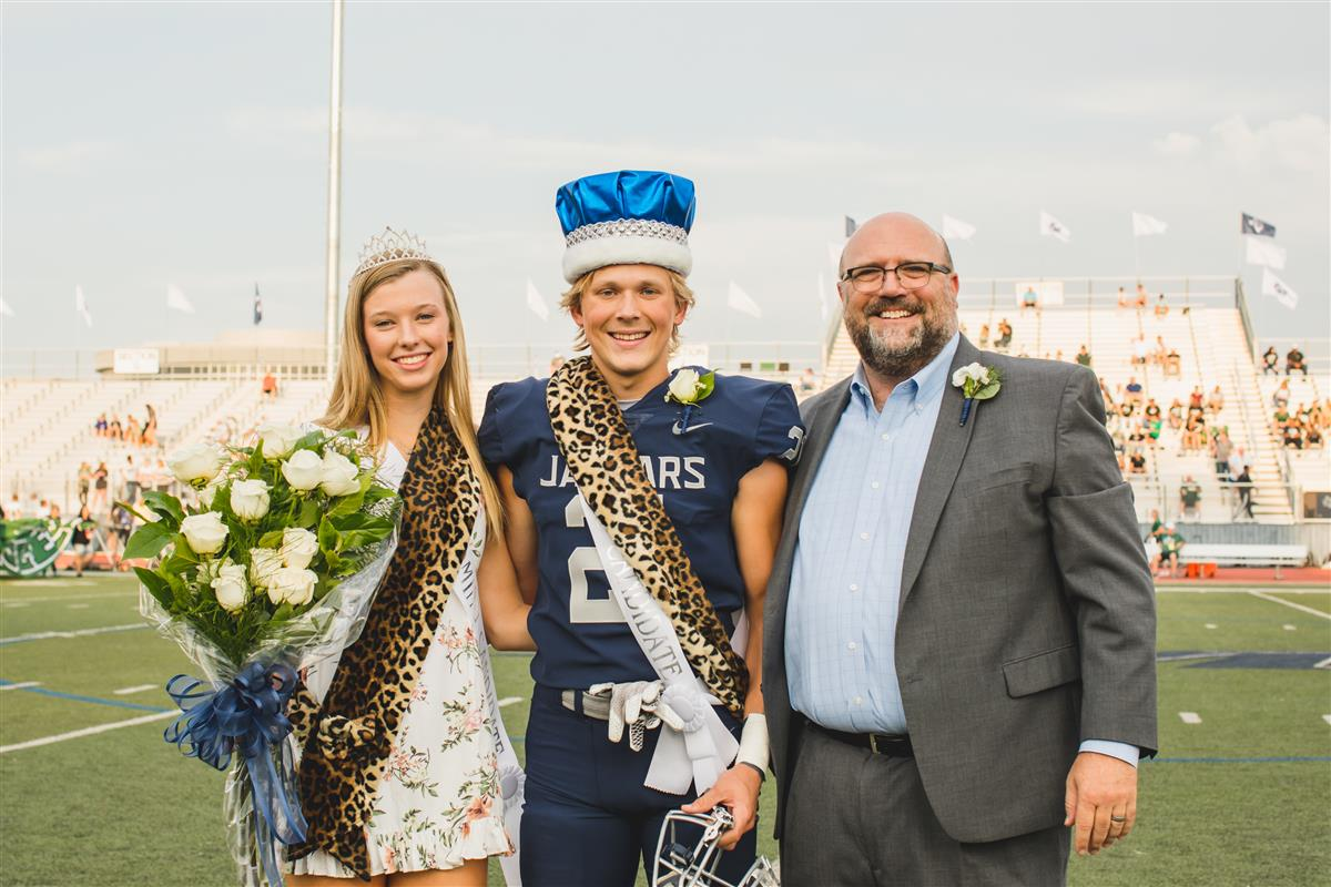 2019 Homecoming Queen and King with Principal Chad Russell